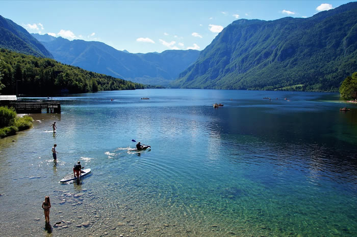 Lac de Bohinjsite naturel Slovénie
